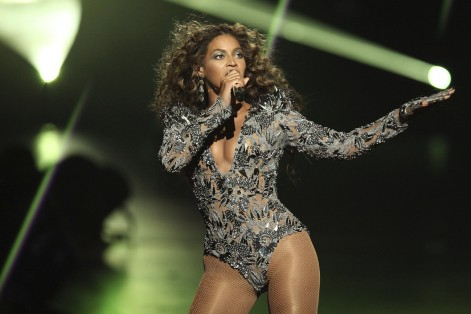 Beyonce performs during the 2009 MTV Video Music Awards at Radio City Music Hall on September 13, 2009, in New York City.  (Photo by Christopher Polk/Getty Images)