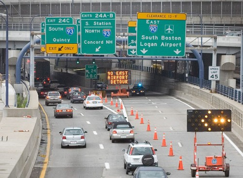 640px-boston_traffic_re-routed_ted_williams_tunnel_2006.jpg
