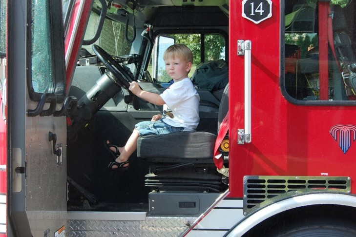 fire_truck_with_child