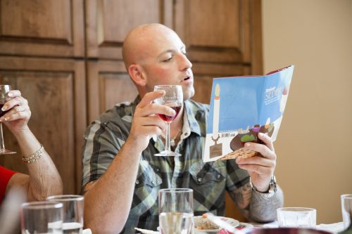 Passover seder (Photo by Jodi Jacobson/iStock)