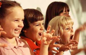 people-kids-singing1_people-kids-singing1-4