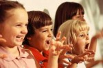 people-kids-singing1_people-kids-singing1-9