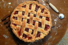 Cherry_pie_with_lattice,_February_2008