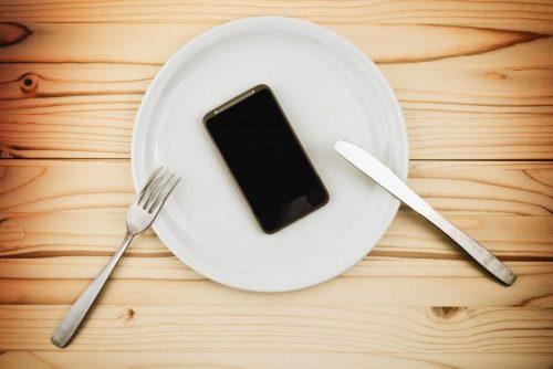 dinner-phone
